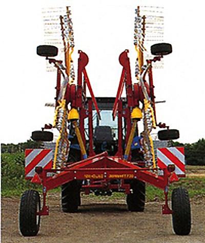 広範囲集草で高能率作業
